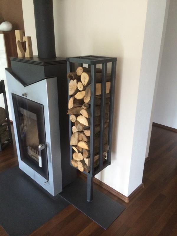 kaminholzregale aus metall f r den innen und au enbereich. Black Bedroom Furniture Sets. Home Design Ideas