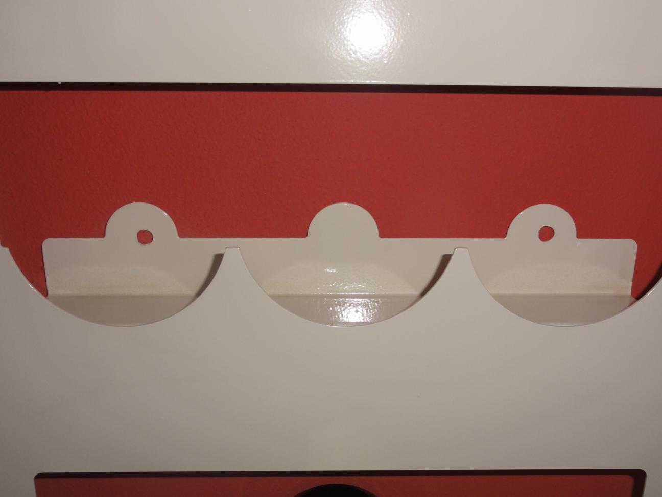 weinregal f r 6 flaschen aus metall design h nge regal farbe nach farbkarte. Black Bedroom Furniture Sets. Home Design Ideas