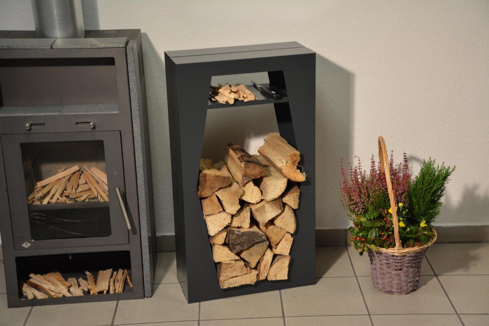 kaminholzregal raute innenbereich mit anfeuerholzfach aus. Black Bedroom Furniture Sets. Home Design Ideas