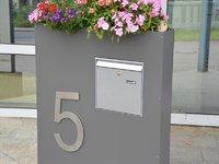 Standbriefkasten Mit Hausnummer briefkasten stele - alles für haus und garten aus metall