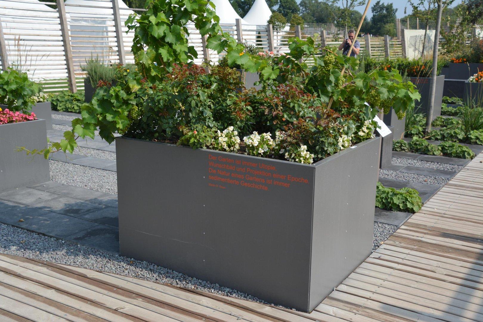 Hochbeet urban metall 0 3 x 0 3 m h he 0 5 m beschichtet for Blumen aus rostigem metall