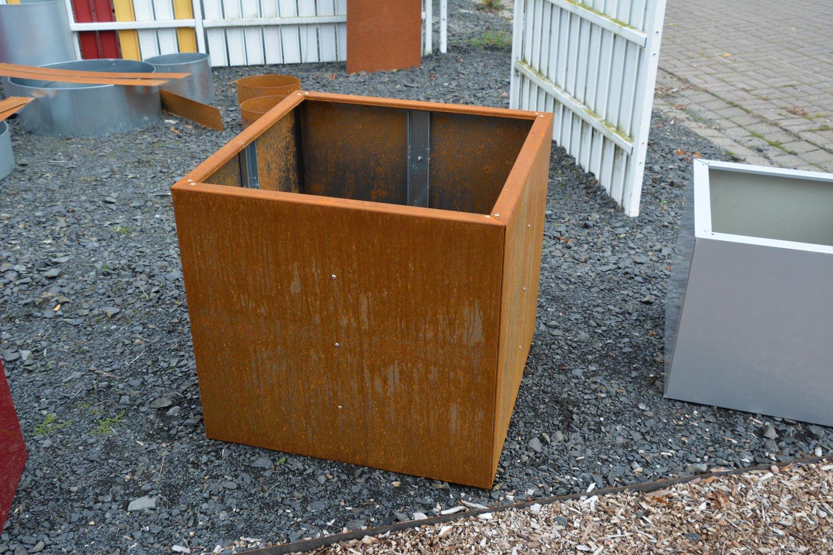 hochbeet urban aus metall 1 5m x 0 3 m x 0 5 m edelrost. Black Bedroom Furniture Sets. Home Design Ideas