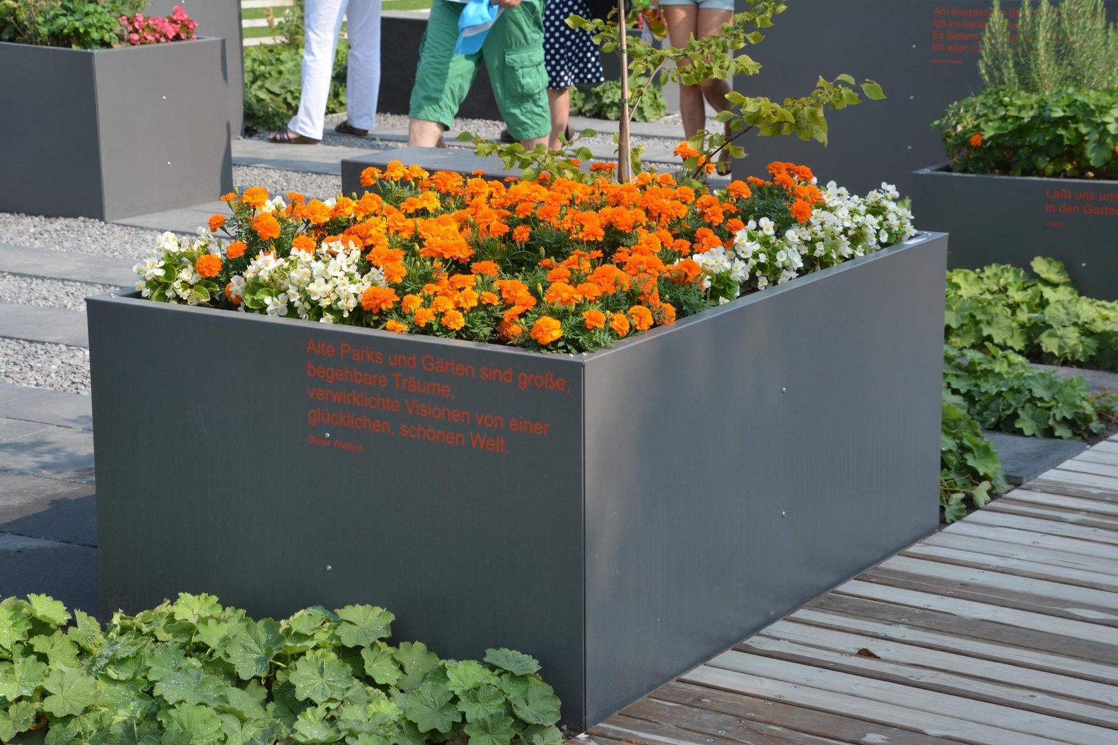 Hochbeet urban metall 1 5 x 1 5 m h he 0 9 m beschichtet - Gartenturen aus metall ...