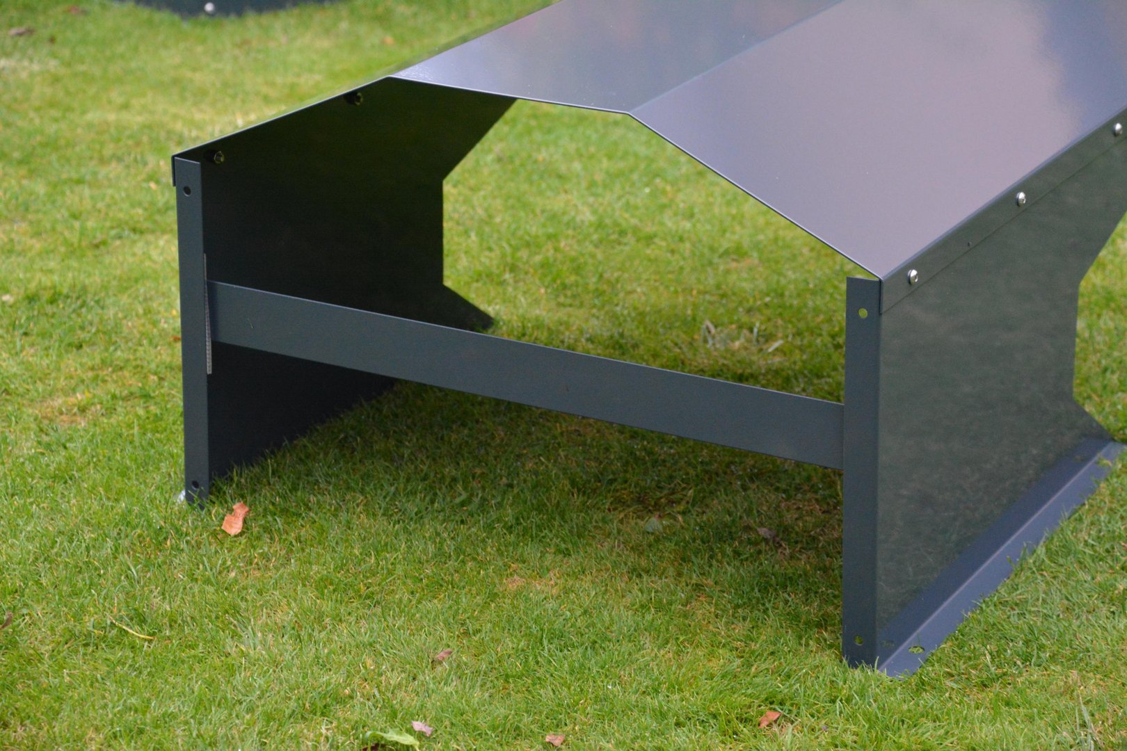 verbindungsblech f r m hroboter garage farbe nach farbkarte aus metall. Black Bedroom Furniture Sets. Home Design Ideas