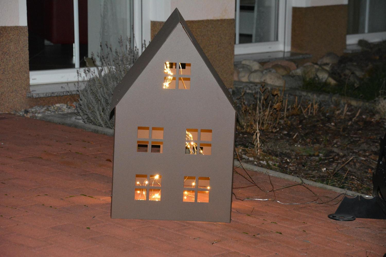 Lichterhaus metall alles f r haus und garten aus metall for Haus aus metall