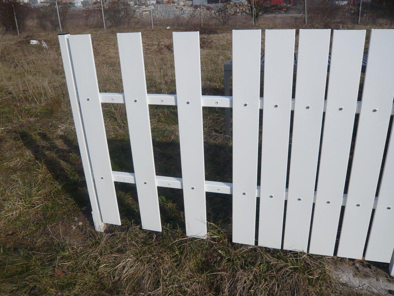 Zaun Sichtschutz Aus Metall 1 5 M Lang Und 1 8m Hohe Alles Fur