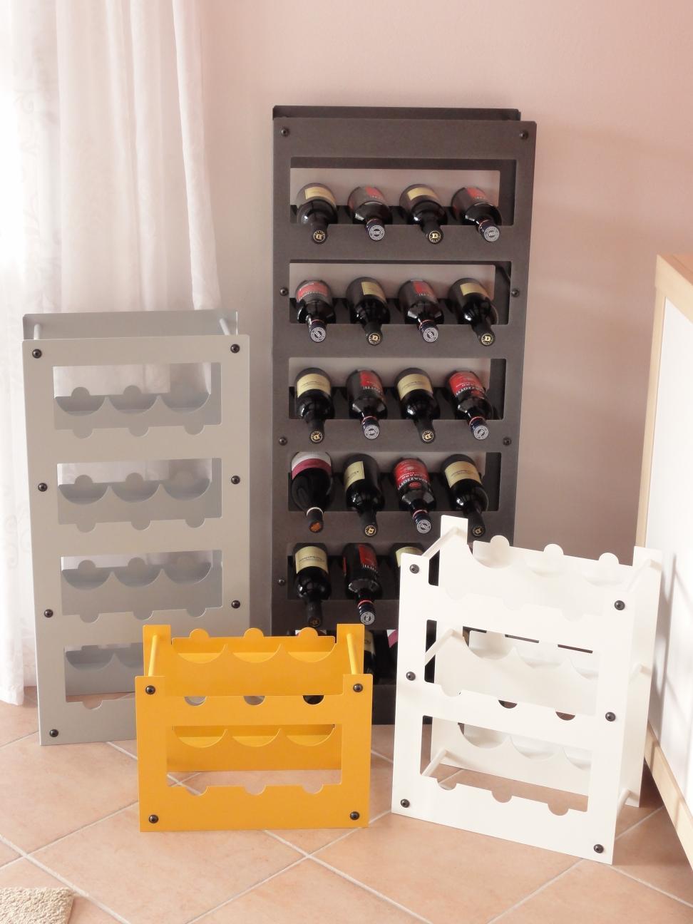 weinregal f r 24 flaschen aus metall design h nge regal. Black Bedroom Furniture Sets. Home Design Ideas