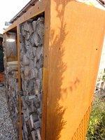 kaminholzregal brennholzregal aus metall aussen corten. Black Bedroom Furniture Sets. Home Design Ideas