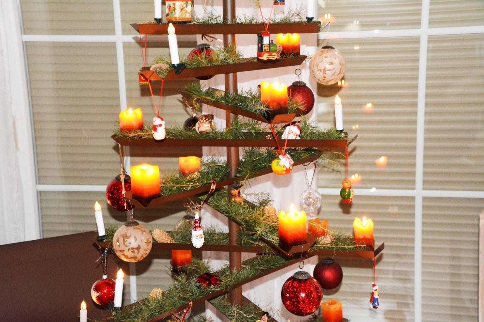 weihnachtsbaum aus metallleisten 100 cm doppelseitig. Black Bedroom Furniture Sets. Home Design Ideas