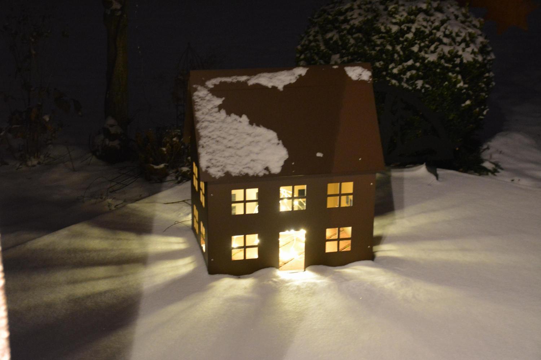 Lichterhaus metall alles f r haus und garten aus metall for Rostfiguren weihnachten